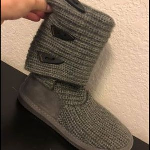 Knitted bear paw boots